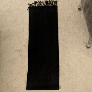 Black 100% cashmere scarf